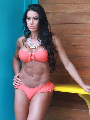 A modelo negou que a ex de Belo a considere pivô do divórcio