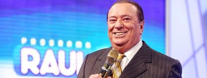 'Raul Gil' é internado com 'Cistite'